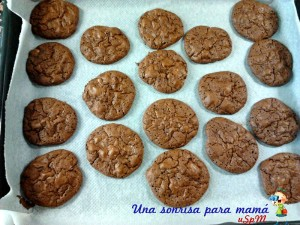 receta-galletas-cookies-con-chips-de-chocolate-y-nueces