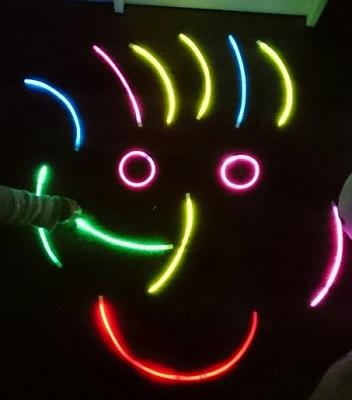 pulseras fluorescentes luminosas y barritas