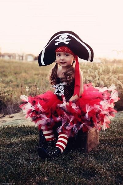 La imagen tiene un atributo ALT vacío; su nombre de archivo es Disfraz-nina-pirata.jpg